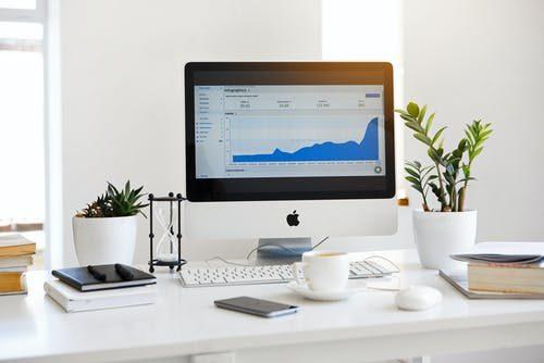 Mac 10 vs Mac 11 - Which Laptop to Choose? - Post Thumbnail